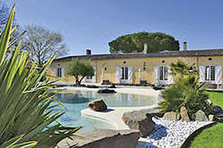 Charming residences on the right bank of Bordeaux
