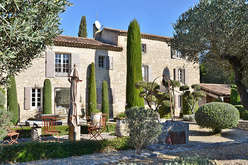Les Alpilles, the charm of Provence