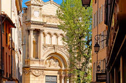 Aix-en-Provence, a healthier market