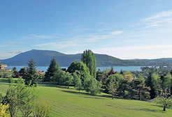The east bank of Lake Annecy, between lake and mountains  - Theme_1158_1.jpg