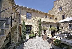 Village houses in the Luberon  - Theme_1194_1.jpg