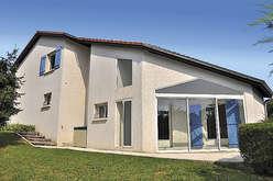 Real estate market development in t... - Theme_1549_2.jpg