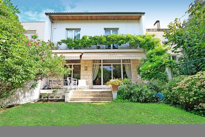 House for sale in BORDEAUX  - 9 rooms - 320 m²
