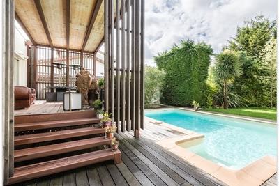 villas maisons vendre bordeaux saint augustin 33000 acheter une maison bordeaux saint. Black Bedroom Furniture Sets. Home Design Ideas