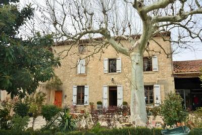 Maison à vendre à ST-ANDIOL  - 7 pièces - 200 m²