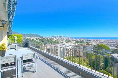 Apartment for sale in NICE  - 6 rooms - 134 m²