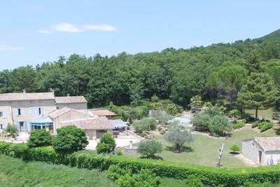 Maison à vendre à MIRMANDE  - 6 pièces - 350 m²