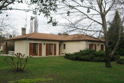 Maisons à vendre à St-Laurent-d'Arce