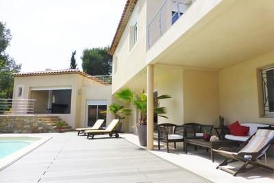 CEYRESTE- Maison à vendre - 6 pièces - 170 m²
