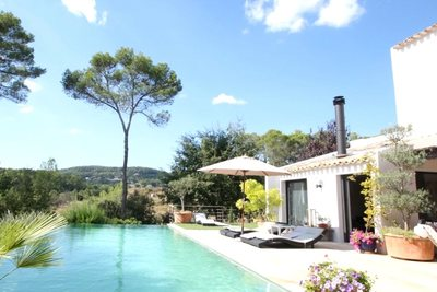 House for sale in LORGUES  - 4 rooms - 230 m²