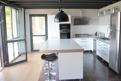 Maison à vendre à GENISSIEUX  - 8 pièces - 400 m²