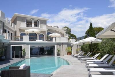 Maison à louer à ST-JEAN-CAP-FERRAT   - 1200 m²