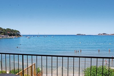 Apartment for sale in SANARY-SUR-MER  - 4 rooms - 100 m²