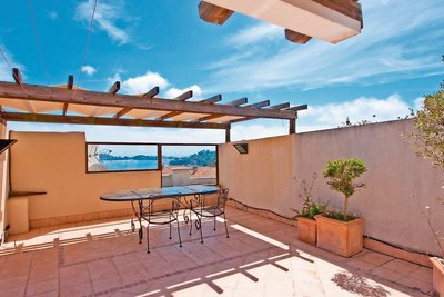 Apartment for sale in BEAULIEU-SUR-MER  - 4 rooms - 121 m²