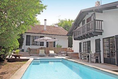 GUETHARY- House for sale