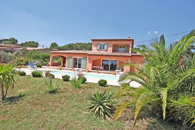 House for sale in LORGUES  - 6 rooms - 160 m²