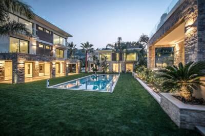 Maison à louer à ST-JEAN-CAP-FERRAT   - 440 m²