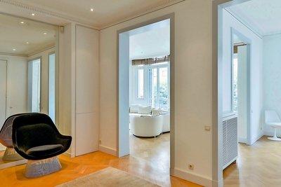 - 7 pièces - 220 m²