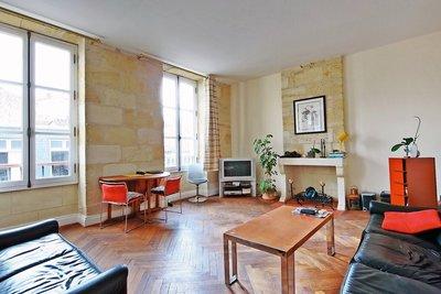 Apartment for sale in BORDEAUX  - 4 rooms - 117 m²