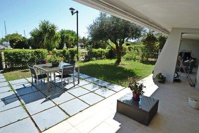 Appartement à vendre à VILLENEUVE-LOUBET  - 4 pièces - 115 m²