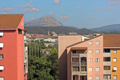 Apartment for sale in AIX-EN-PROVENCE  - 4 rooms - 82 m²