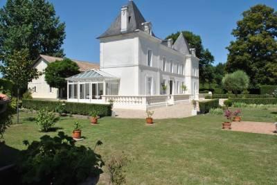 BARBEZIEUX ST HILAIRE- Maison à vendre - 5 pièces - 224 m²