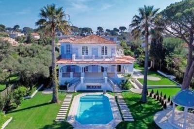 Maison à vendre à CAP D'ANTIBES  - 9 pièces - 500 m²