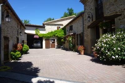 VALENCE- Maison à vendre - 9 pièces - 310 m²