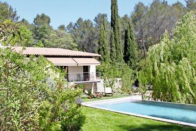 Maison à vendre à ST-MARC-JAUMEGARDE  - 7 pièces - 268 m²