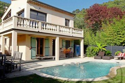 Maison à vendre à EZE  - 5 pièces - 180 m²