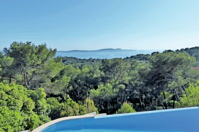 Apartment for sale in HYERES  - 4 rooms - 115 m²