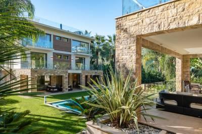 ST-JEAN-CAP-FERRAT- Maison à louer - 15 pièces - 900 m²