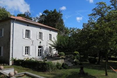Maison à vendre à VILLENEUVE DE BERG  - 8 pièces - 350 m²
