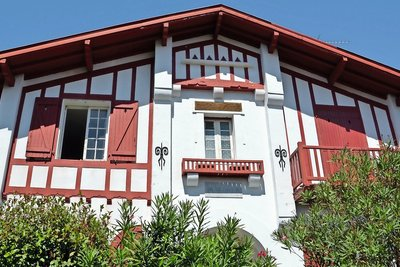BIARRITZ- House for sale - 7 rooms - 200 m²