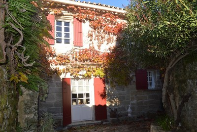 House for sale in UZES  - 5 rooms - 100 m²