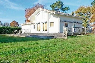 House for sale in LA TESTE-DE-BUCH  - 5 rooms - 140 m²