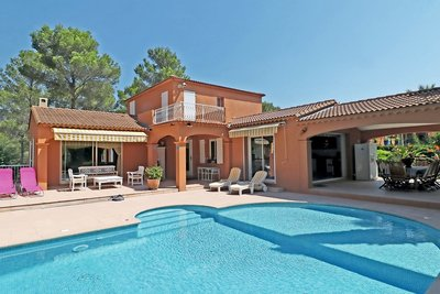 House for sale in ROQUEBRUNE-SUR-ARGENS  - 5 rooms - 215 m²