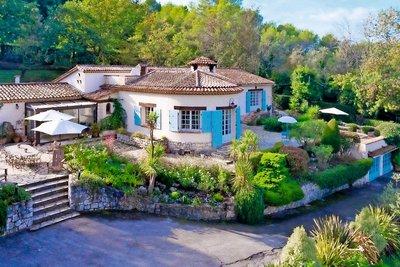 Maison à vendre à ROQUEFORT-LES-PINS  - 8 pièces - 270 m²