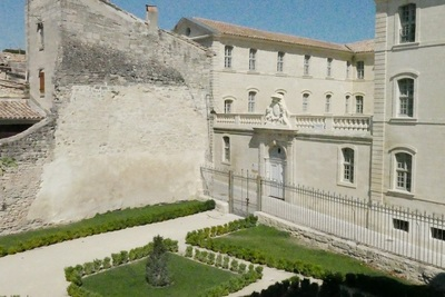 House for sale in UZES  - 4 rooms - 87 m²