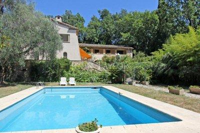VALBONNE- Maison à vendre - 9 pièces - 450 m²