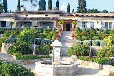 Maison à vendre à LE BAR-SUR-LOUP  - 7 pièces - 234 m²