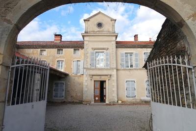 Maison à vendre à MONTELIMAR  - 10 pièces - 500 m²