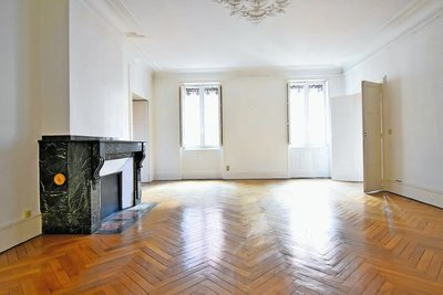 Apartment for sale in TOULOUSE  - 6 rooms - 195 m²