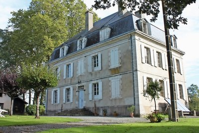 BAYONNE- House for sale - 12 rooms - 630 m²
