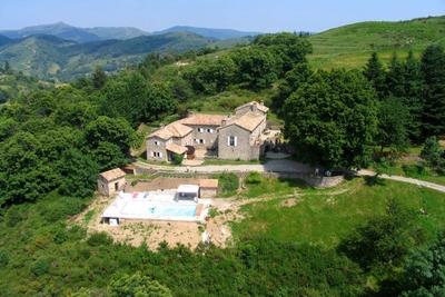 Maison à vendre à ANTRAIGUES SUR VOLANE  - 10 pièces - 330 m²