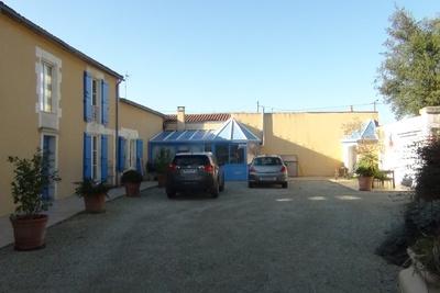 LA ROCHELLE- Maison à vendre - 6 pièces - 231 m²