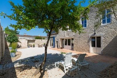 LA ROCHELLE- Maison à vendre - 12 pièces - 675 m²