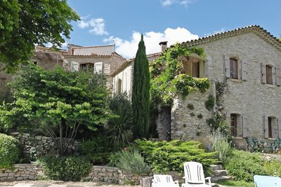 House for sale in UZES  - 12 rooms - 280 m²