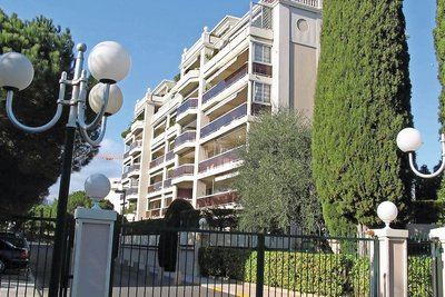 Apartment for sale in CAGNES-SUR-MER  - 5 rooms - 200 m²