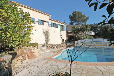 House for sale in ROQUEBRUNE-SUR-ARGENS  - 5 rooms - 105 m²